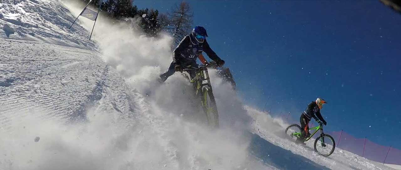 Chute en vélo sur neige